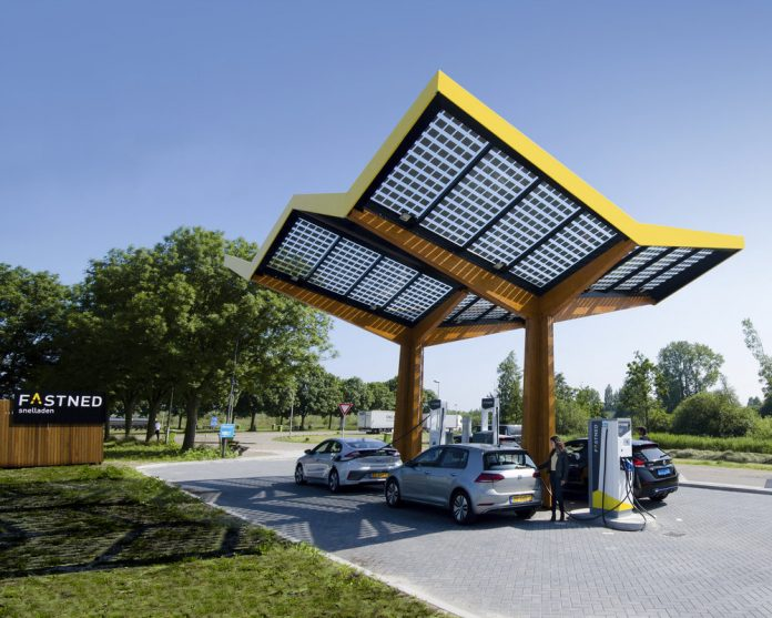 Fastned Ladestation